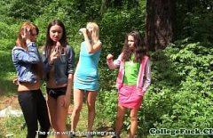 На пикнике в лесу хорошо трахнули больше молодых девушек