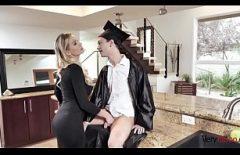 Xxx порно видео с блондинкой Suck Cock Ditamai Студент
