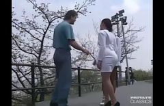 Ххх молодые женщины с родителями на публике двух молодых женщин трахнули в лесу