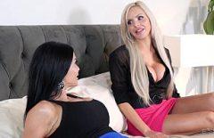 Секс с двумя актрисами, фильм ххх, трах с застенчивой в любительском видео