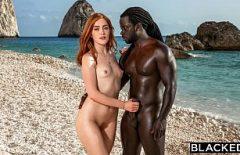 У нее есть секс-шеф-повар и трахает ее черный на пляже