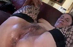 Порно клип с бабутой шевелясь во рту, которая трахается как сумасшедшая