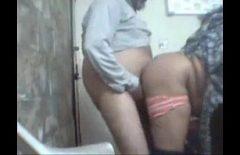 Секс с толстым, который трахает молодую женщину сзади Xxl