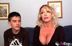 Как возбудить мужчину женщину фильмы с карликовым порно и зрелой толстушкой