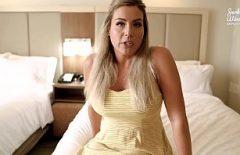 Блондинка-порнозвезда жестко трахается с большим количеством мужчин с большими членами