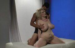 Оригинальный секс, сделанный с более тучной блондинкой