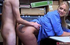 Порноокк фильм снимает ее в офисе