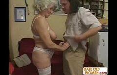 Старая румынская женщина снимает порнофильмы с немытым мужчиной